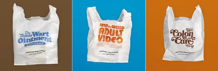 カナダ・バンクーバーの食料品店が考案した「恥ずかしい言葉」付きレジ袋(同店提供・時事)