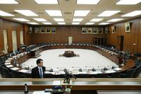 定刻に開会されなかった衆院憲法審査会=31日午前、国会内