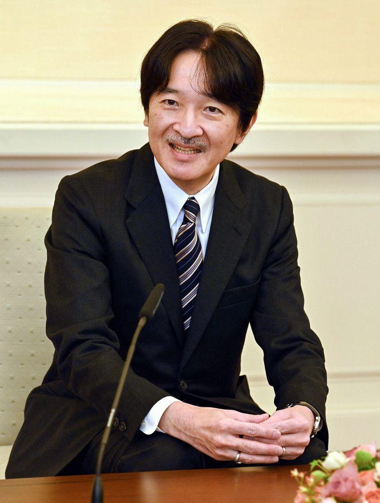 54歳の誕生日を前に、記者会見される秋篠宮さま=20日午前、東京・元赤坂の赤坂東邸(代表撮影)