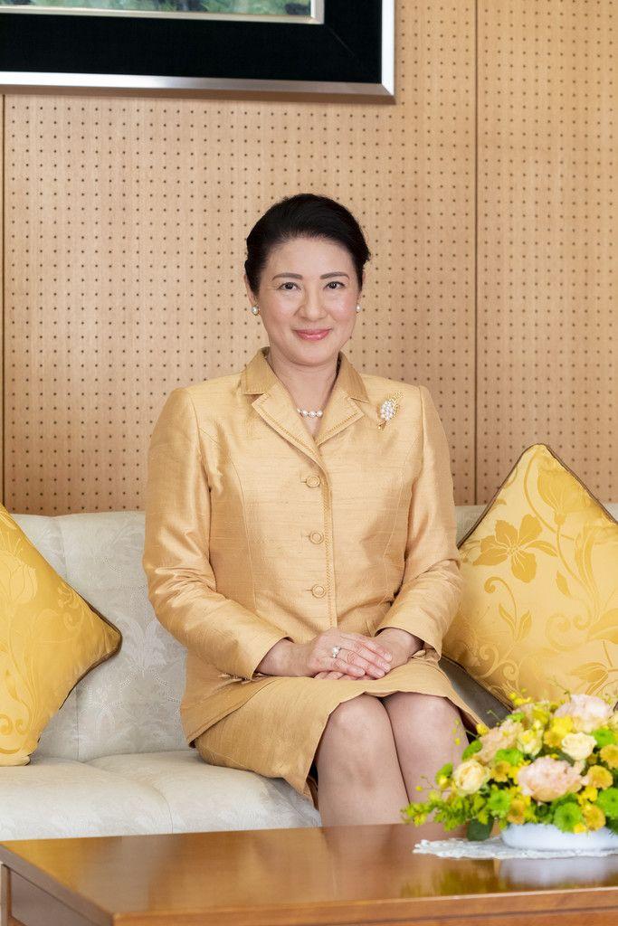 56歳の誕生日を迎えられた皇后さま=3日午後、赤坂御所(宮内庁提供)