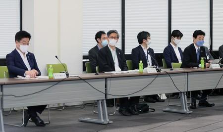 感染防止の「指標」議論 政府の新型コロナ分科会が会合:時事ドットコム
